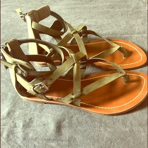 G by Guess Gladiator Sandals Size 8 in Olive